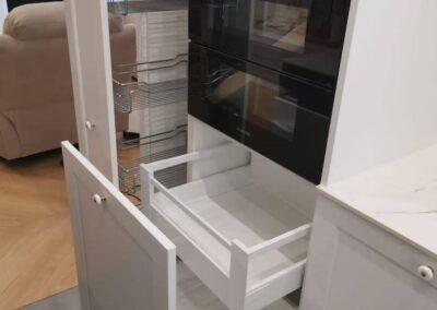 szuflady wysuwane na wymiar
